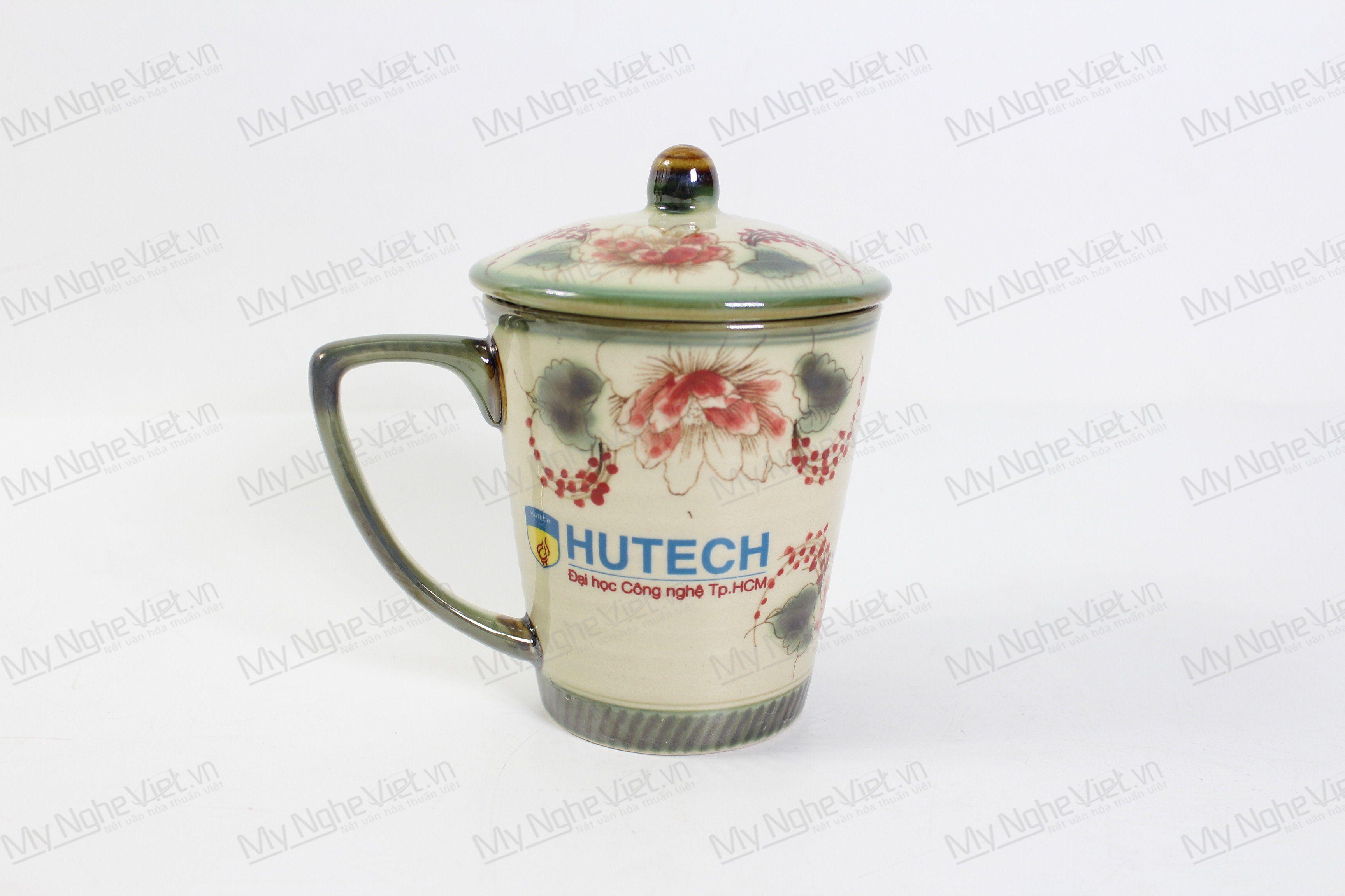 Ly Sứ Có Nắp Vẽ Hoa Văn In Logo Hutech MNV-LST04